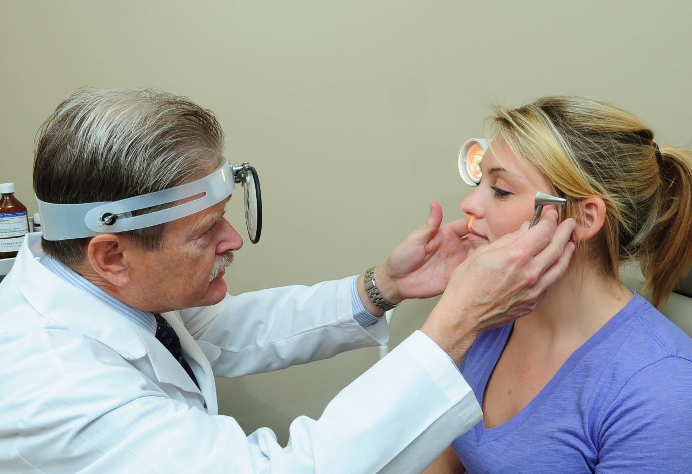 Воспаление лобных пазух редко встречается как изолированное заболевание.