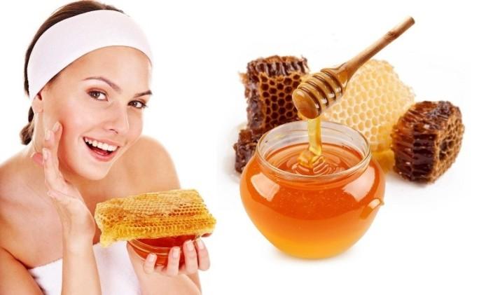 Мед – хороший способ за короткое время разгладить морщины