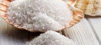 Соль для волос: домашние средства для укрепления и роста прядей