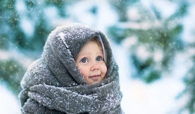 Любое переохлаждение может привести к ангине у детей с аллергическим или с хроническим ринитом