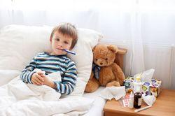 Как лечить гнойную ангину у ребенка