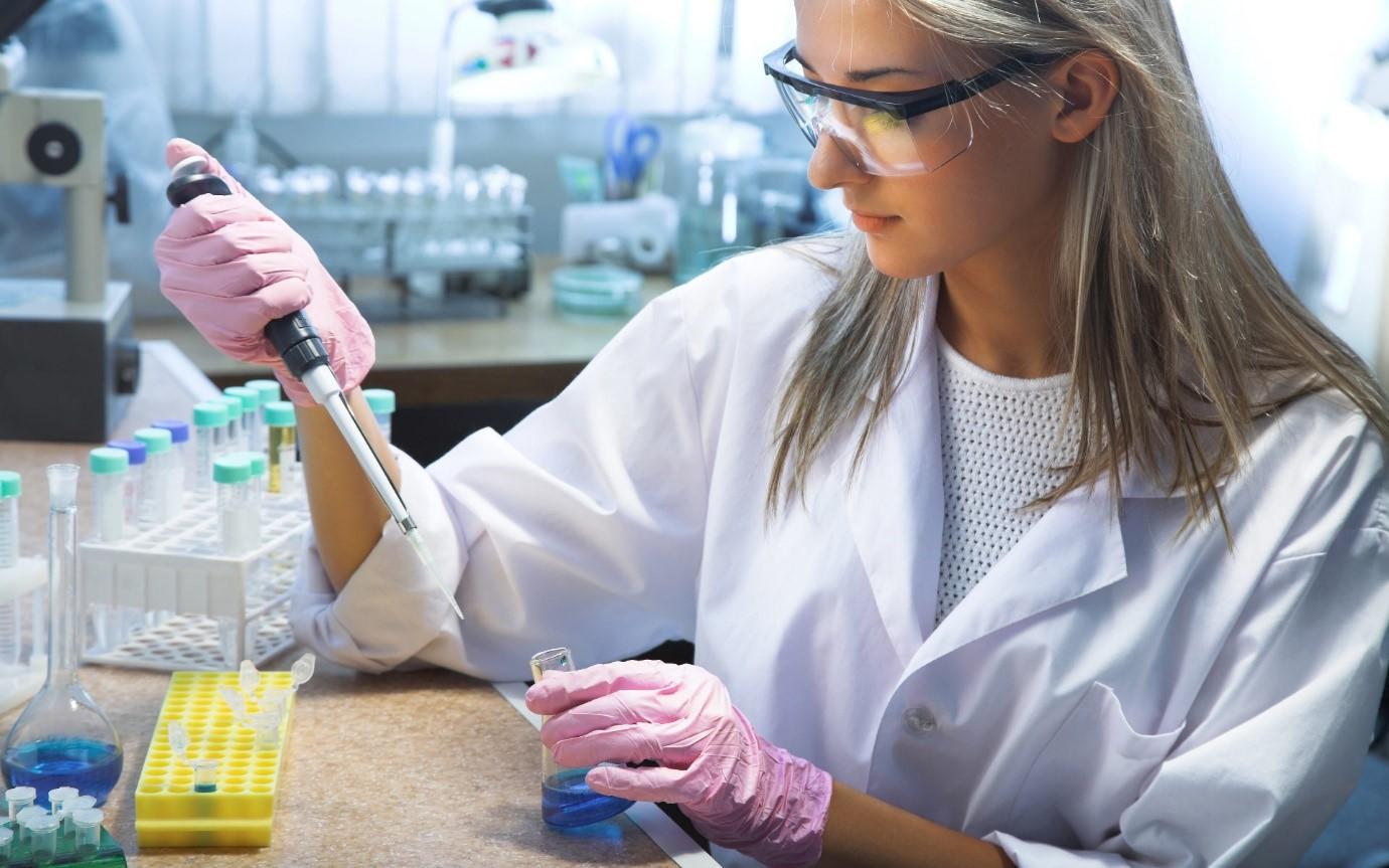 Современная медицина располагает рядом экспресс тестов для подтверждения клинического диагноза ангины. Лабораторные исследования позволяют провести дифференциальную диагностику и отличить вирусную ангину от ангины бактериальной