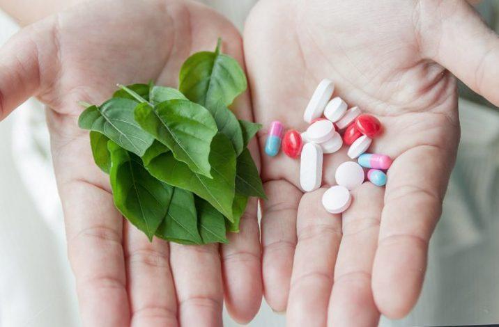 Препараты растительного происхождения при климаксе: капли и капсулы
