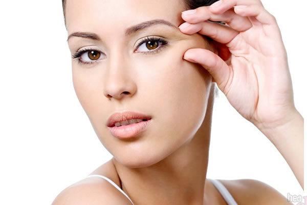 Причины возникновения морщинок вокруг глаз, как предупредить их появление