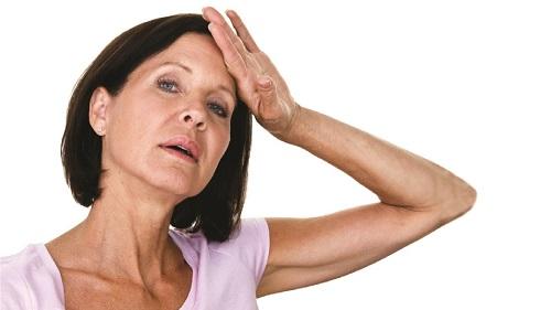 Климакс у женщин возраста 40, 45, 50 лет: симптомы, лечение