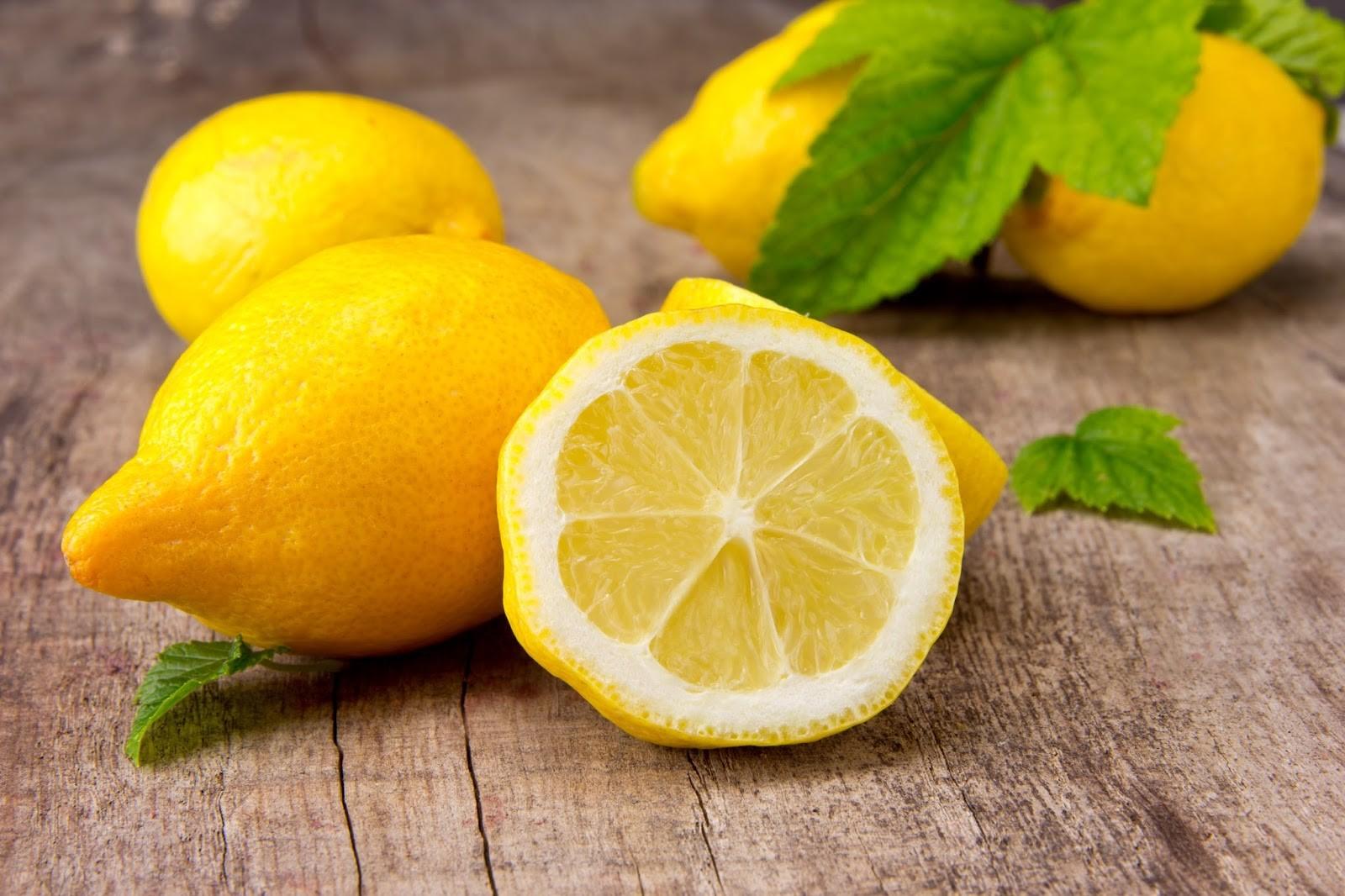 В лимоне содержится большое количество витаминов и микроэлементов