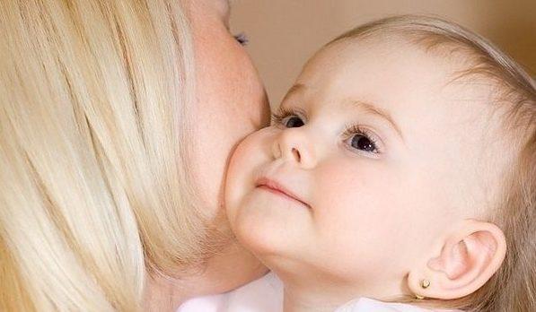 Соблюдение несложных правил поможет уберечь малыша от ангины