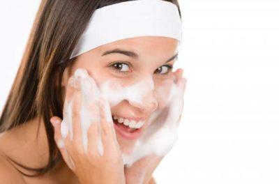 Хозяйственное мыло от морщин: применение для лица