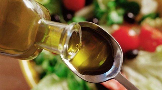 Смыть макияж оливковым маслом